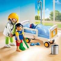Playmobil Doctor con niño